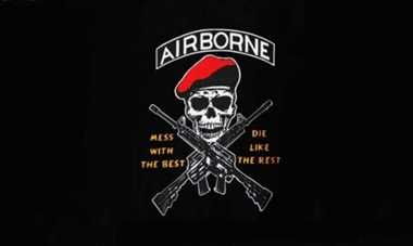 "Airborne ""Mess with the best"" Flagge 90x150 cm"