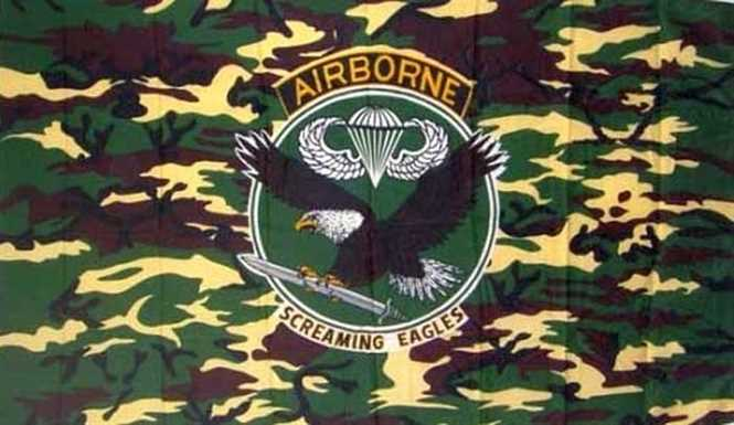 "Airborne Camouflage ""Screaming Eagle"" Flagge 90x150 cm"